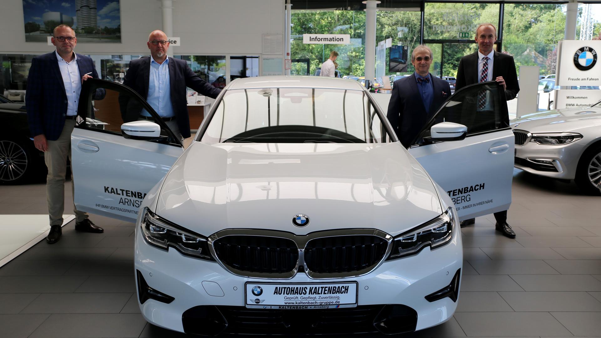 Ein neuer BMW 320D für das bbz Arnsberg