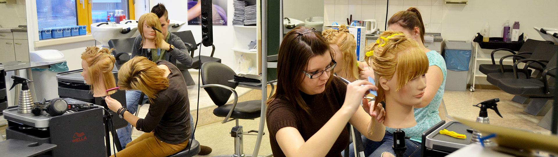 Weiterbildung Friseur und Kosmetik im bbz Arnsberg
